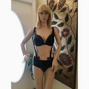 Victoria Secret lingerie w/suspenders